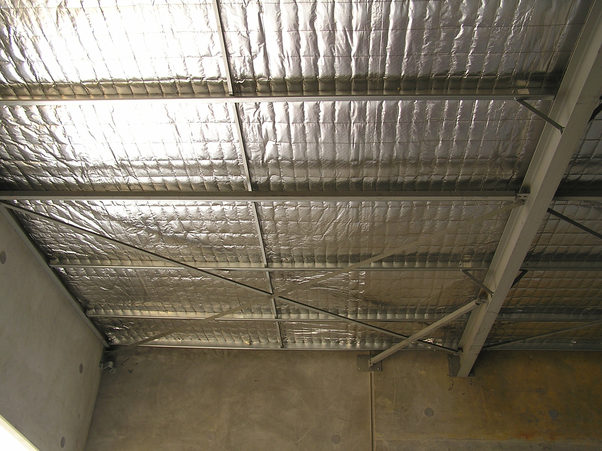 Warehouse roof structure